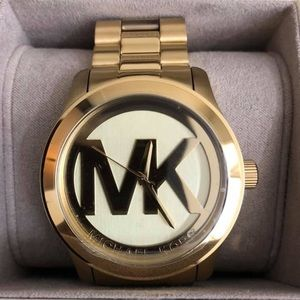 MK5473 - Michael Kors Women's Runway Watch